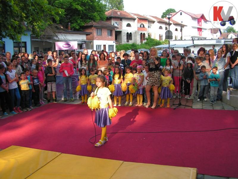 Kotor-Varos-konferencija-beba-2