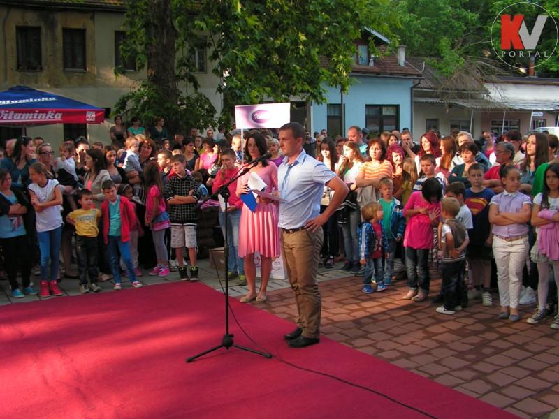 Kotor-Varos-konferencija-beba