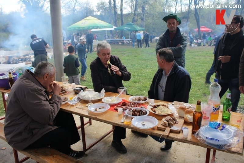 Sedma tradicionalna kotorvaroška kotlićijada 2015